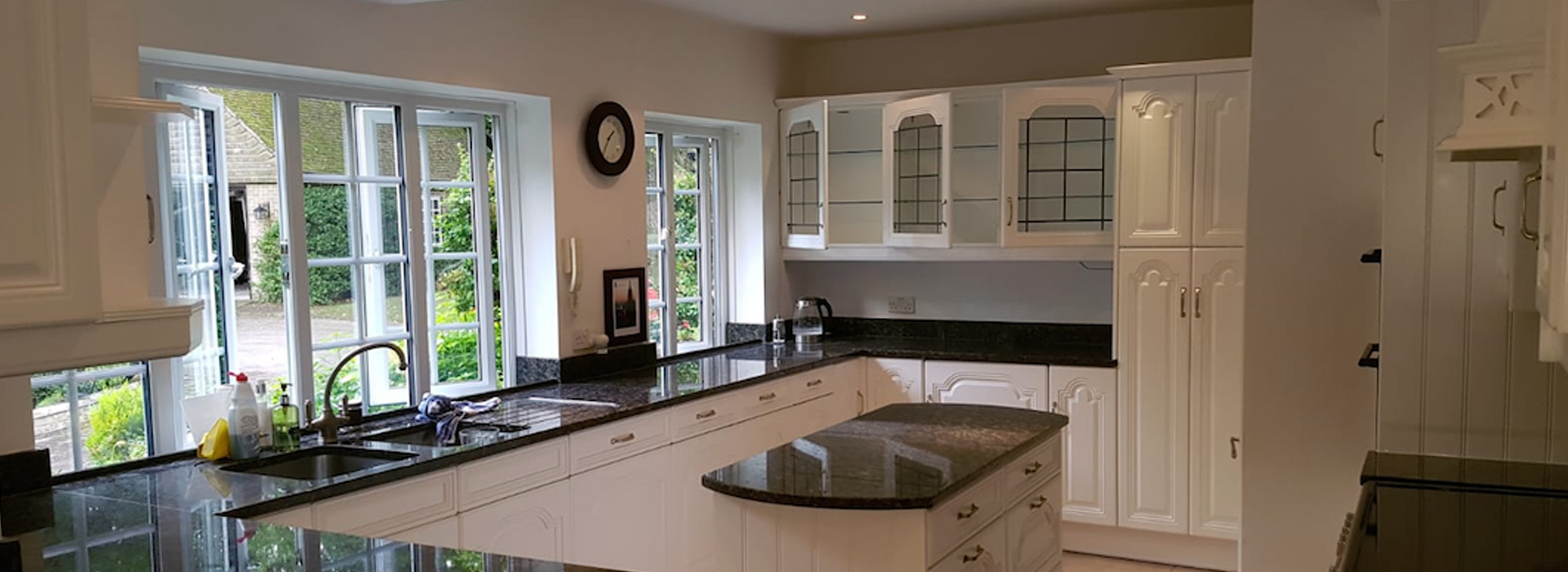 The Kitchen Respray Company - Specialists in bespoke & custom painted kitchen respraying and finishing
